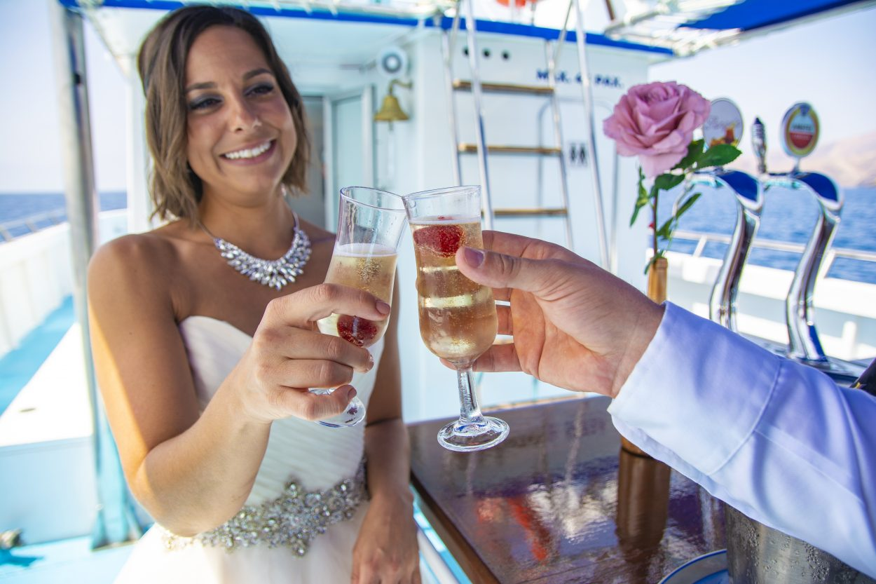 toast the happy wedding couple in Lanzarote